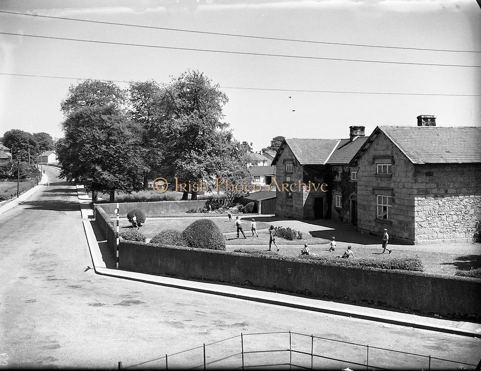 Views, Tullow, Co. Carlow.17/06/1957