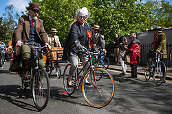 © Licensed to London News Pictures. 04/05/2019. London, UK. Participants set off at the start of the Tweed Run bike ride in Central London. The annual event sees hundreds of people cycle around the capital past various landmarks wearing vintage tweed outfits. Photo credit: Rob Pinney/LNP