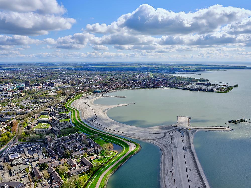 Nederland, Noord-Holland, gemeente Koggenland; 07-05-2021; Scharwoude, Hoogheemraadschap Hollands Noorderkwartier, omgeving De Hulk, zicht op Hoornsche Hop (Hoornse Hop). In het kader van de dijkverbetering wordt er een oeverdijk aangelegd, de nieuwe halfhoge dijk heeft een buitentalud wat voor de bestaande dijk aangebracht wordt. Ook zal er aan de IJsselmeerdijk een stadsstrand gerealiseerd worden.<br /> Scharwoude, Hoogheemraadschap Hollands Noorderkwartier, De Hulk area, view of Hoornsche Hop (Hoornse Hop). As part of the dyke improvement, an embankment dyke will be constructed, the new half-height dyke will have an outer slope which will be installed in front of the existing dyke. A city beach will also be realized.<br /> <br /> luchtfoto (toeslag op standaard tarieven);<br /> aerial photo (additional fee required)<br /> copyright © 2021 foto/photo Siebe Swart