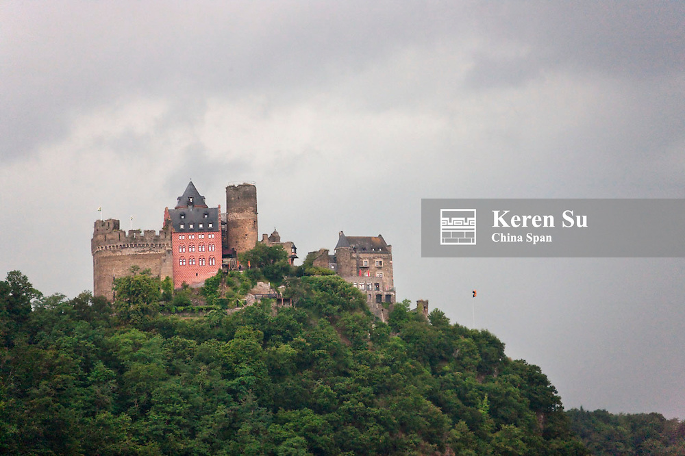 Schonburg Castle above river Rhine, Upper Middle Rhine Valley (UNESCO World Heritage site), Oberwesel, Germany