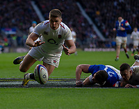 England's Owen Farrell looks to score a try<br /> <br /> Photographer Bob Bradford/CameraSport<br /> <br /> Guinness Six Nations Championship - England v France - Sunday 10th February 2019 - Twickenham Stadium - London<br /> <br /> World Copyright © 2019 CameraSport. All rights reserved. 43 Linden Ave. Countesthorpe. Leicester. England. LE8 5PG - Tel: +44 (0) 116 277 4147 - admin@camerasport.com - www.camerasport.com