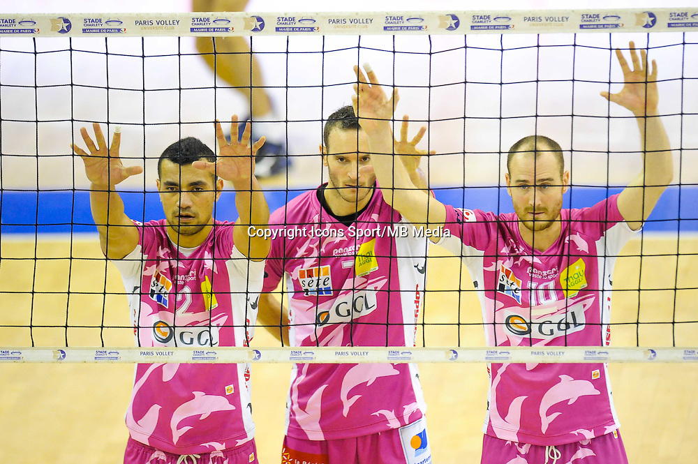 Toafa Takaniko / Thomas Lamoise / Senger Tommy - 20.12.2014 - Paris Volley / Sete - 12eme journee de Ligue A<br /> Photo : Andre Ferreira / Icon Sport