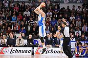 DESCRIZIONE : Campionato 2015/16 Serie A Beko Dinamo Banco di Sardegna Sassari - Dolomiti Energia Trento<br /> GIOCATORE : Joe Alexander<br /> CATEGORIA : Tiro Tre Punti Three Point Controcampo<br /> SQUADRA : Dinamo Banco di Sardegna Sassari<br /> EVENTO : LegaBasket Serie A Beko 2015/2016<br /> GARA : Dinamo Banco di Sardegna Sassari - Dolomiti Energia Trento<br /> DATA : 06/12/2015<br /> SPORT : Pallacanestro <br /> AUTORE : Agenzia Ciamillo-Castoria/C.Atzori