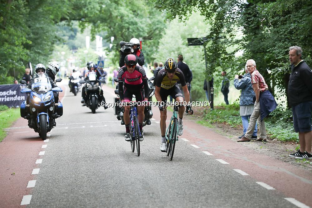 25-06-2017: Wielrennen: NK weg elite: Montferland<br />s-Heerenberg (NED) wielrennen<br />NK Wielrennen Elite<br /><br />Robert Gesink, Jetse Bol in de aanval