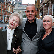 NLD/Amsteram/20121024- Presentatie biografie Joop van den Ende, zus Joop en familie