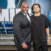 NLD/Amsterdam/20190617 - Men in Black International premiere, Carlos Lens en zoon
