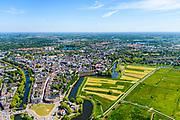 Nederland, Noord-Brabant, Den Bosch, 13-05-2019; 's-Hertogenbosch gezien vanuit de Bossche Broek. Links de rivier de Dommel,  met in de voorgrond Bastion Vught. Naar rechts de Singelgracht met Bastion Oranje<br /> 's-Hertogenbosch seen from the Bossche Broek, nature reserve south of the city .<br /> luchtfoto (toeslag op standard tarieven);<br /> aerial photo (additional fee required);<br /> copyright foto/photo Siebe Swart