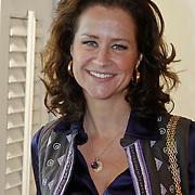 NLD/Amsterdam/20101011 - Presentatie By Danie Styleguide magazine, Paulien Huizinga - Mol