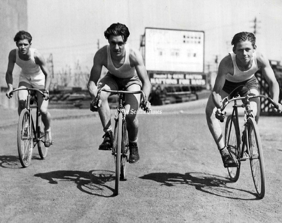 Members of the Seattle Bike Club, 1930. (Seattle Times Archives, 1930)