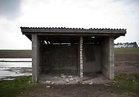 Zdjecie ilustracyjne. Podlasie, 14.2011. N/z zniszczony przystanek PKS fot Michal Kosc / AGENCJA WSCHOD