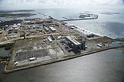 Ipojuca_PE, Brasil.<br /> <br /> Complexo do Porto de Suape em Ipujoca, Pernambuco.<br /> <br /> Suape Port and Industrial Complex in Ipujoca, Pernambuco.<br /> <br /> Foto: LEO DRUMOND / NITRO