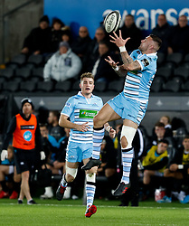 Rory Hughes of Glasgow Warriors claims the high ball<br /> <br /> 2nd November, Liberty Stadium , Swansea, Wales ; Guinness pro 14's Ospreys Rugby v Glasgow Warriors ;  <br /> <br /> Credit: Simon King/News Images<br /> <br /> Photographer Simon King/Replay Images<br /> <br /> Guinness PRO14 Round 8 - Ospreys v Glasgow Warriors - Friday 2nd November 2018 - Liberty Stadium - Swansea<br /> <br /> World Copyright © Replay Images . All rights reserved. info@replayimages.co.uk - http://replayimages.co.uk