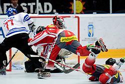 29.06.2010, Löfbergs Lila Arena, Karlstad, SWE, IIHF In Line Hockey World Championships 2010, Finland (FIN) vs Austria (AUT), im Bild Finnish pressure on the Austrian net. EXPA Pictures © 2010, PhotoCredit: EXPA/ Sportida/ Matic Klansek Velej +++ Slovenia OUT +++