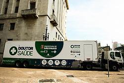 June 27, 2017 - O prefeito da cidade de São Paulo, João Dória, faz a entrega da carreta do Programa DOUTOR SAÚDE para exames dermatológicos, paga pelo Cies, o operador do Doutor Saúde. (Credit Image: © Aloisio Mauricio/Fotoarena via ZUMA Press)