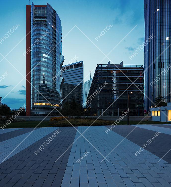 Modern buildings by night in Wien