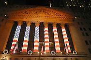 New york stock exchange,  front building,christmas lighting  ; New York - United States  /  la bourse, New york stock exchange,  Illuminations pour les fetes de Noel dans les rues  New York - Etats Unis