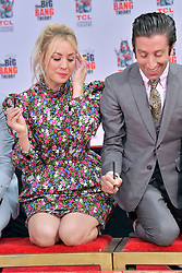 May 1, 2019 - Los Angeles, Kalifornien, USA - Kaley Cuoco und Simon Helberg bei der Handprints Ceremony am TCL Chinese Theatre Hollywood. Los Angeles, 01.05.2019 (Credit Image: © Future-Image via ZUMA Press)