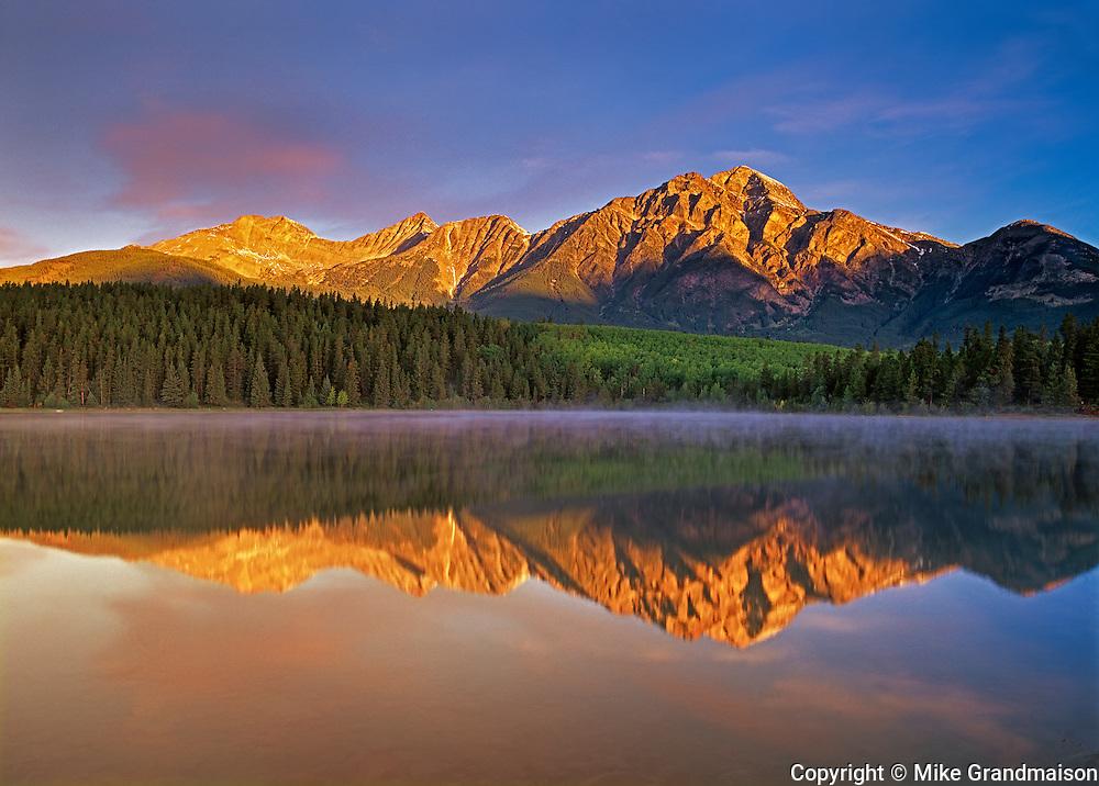 sunrise on Pyramid Mountain at Pyramid Lake<br /> Jasper National Park<br /> Alberta<br /> Canada