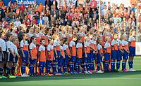 AMSTELVEEN - minuut stilte voor  de Nederland - Spanje (dames) bij de Rabo EuroHockey Championships 2017.  COPYRIGHT KOEN SUYK