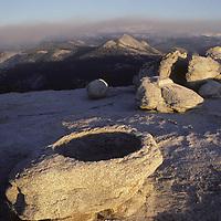 YOSEMITE NAT.PARK. Eroded granite atop Sentinel Dome.