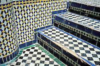 Maroc - Fès - Fès el Bali - Palais dans la medina - Carrelage - escalier