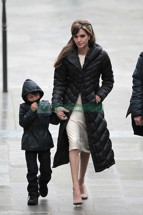 Please hide the child's face prior to the publication - Exclusive - Angelina Jolie and Maddox during the set of The Tourist in Paris, France on In Paris, France on February 25, 2010. Photo by ABACAPRESS.COM