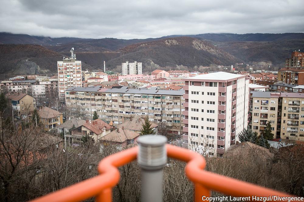 Décembre 2017. Kosovo : 10ème anniversaire de l'indépendance. Mirovica nord, partie serbe.