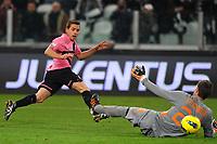 """Il gol di Emanuele Giaccherini Juventus<br /> Goal 1-0<br /> Torino 24/01/2012 Stadio """"Juventus Stadium""""<br /> Football Calcio 2011/2012 Coppa Italia<br /> Juventus Vs Roma<br /> Foto Insidefoto Andrea Staccioli"""