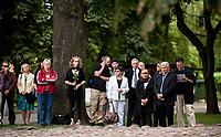 16.08.2014 Bialystok Zlozeniem kwiatow uczczono 71. rocznice wybuchu powstania w bialostockim getcie. To powstanie uznawane jest przez historykow za drugi pod wzgledem wielkosci, po Warszawie, zryw ludnosci zydowskiej w walce z hitlerowcami fot Michal Kosc / AGENCJA WSCHOD