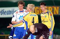Fotball, treningskamp Molde - Sundsvall 2-2<br /> Rob Friend pådro seg Patrik Eriksson-Olssons vrede etter en noe tøff duell med keeper<br /> Foto: Carl-Erik Eriksson, Digitalspor