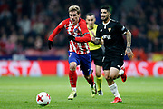 Atletico Madrid's French forward Antoine Griezmann runs with the ball during the Spanish Cup, Copa del Rey quarter final, 1st leg football match between Atletico Madrid and Sevilla FC on January 17, 2018 at Wanda Metropolitano stadium in Madrid, Spain - Photo Benjamin Cremel / ProSportsImages / DPPI