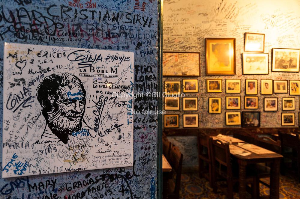 Cuba, La Havane, vieille-ville Habana Vieja, La Bodeguita del Medio, bar fréquenté par Ernest Hemingway // Cuba, Havana, old town, Habana Vieja, La Bodeguita del Medio, bar used by E.Hemingway