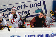 08.Maerz 2012; Rapperswil-Jona; Eishockey NLA - Rapperswil-Jona Lakers - Geneve-Servette HC; Trainer Chris McSorley (Genf) <br />  (Thomas Oswald)