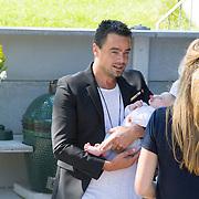 NLD/Diemen/20160831 - Samenwerkingsverband tussen Etos en Woezel & Pip met Dinand Woesthoff en Lucy Hopkins, Dinand Woesthoff met zijn pasgeboren dochter Leia Guusje