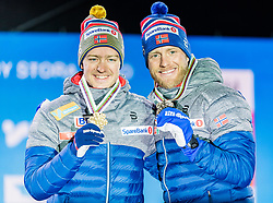 23.02.2019, Medal Plaza, Seefeld, AUT, FIS Weltmeisterschaften Ski Nordisch, Seefeld 2019, Skiathlon, Herren, 30km, Siegerehrung, im Bild v.l. Weltmeister und Goldmedaillengewinner Sjur Roethe (NOR), Bronzemedaillengewinner Martin Johnsrud Sundby (NOR) // f.l. World champion and Gold medalist Sjur Roethe of Norway and Bronce medalist Martin Johnsrud Sundby of Norway during the winner Ceremony for the men's 30km Skiathlon competition of FIS Nordic Ski World Championships 2019 at the Medal Plaza in Seefeld, Austria on 2019/02/23. EXPA Pictures © 2019, PhotoCredit: EXPA/ Stefan Adelsberger