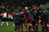 Fotball<br /> England 2004/2005<br /> Kvartfinale Carling Cup<br /> 01.12.2004<br /> Foto: BPI/Digitalsport<br /> NORWAY ONLY<br /> <br /> Tottenham v Liverpool<br /> <br /> Liverpool's inexperienced team celebrate victory as Spurs players trudge off