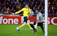Fotball<br /> UEFA Champions League<br /> Basel v Barcelona<br /> 22.10.2008<br /> Foto: EQ Images/Digitalsport<br /> NORWAY ONLY<br /> <br /> Tor zum 0:1 duch Lionel Messi gegen Franco Costanzo