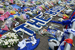 Flowers laid by the Leicester City players (c) Simon Kimber   SportPix.org.uk