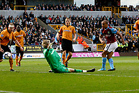 Photo: Steve Bond/Richard Lane Photography. Wolverhampton Wanderers v Aston Villa. Barclays Premiership 2009/10. 24/10/2009. Gabriel Agbonlahor fires Villa in front