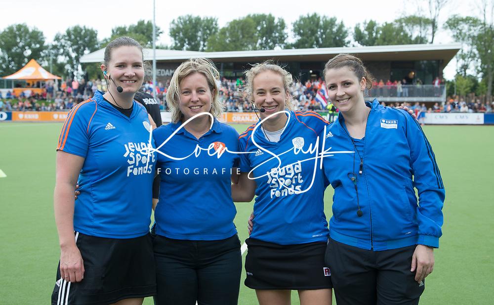 SCHIEDAM - Claire Druijts, Laurine Delforgen, Adrienne Lijs,  de oefenwedstrijd tussen  de dames van Nederland en Belgie  (0-1), in aanloop naar het  EK Hockey, eind augustus in Amstelveen. COPYRIGHT  KOEN SUYK
