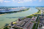 Nederland, Zuid-Holland, Rotterdam, 10-06-2015; Maassluis, Koning Willem-Alexander boulevard aan de Nieuwe Waterweg. 'Balkon Maassluis'. Delflandsedijk met spoorlijn naar Hoek van Holland. Gezien naar Europoort en Calandkanaal.<br /> Maassluis with entrance to the port of Rotterdam, New Waterway.<br /> luchtfoto (toeslag op standard tarieven);<br /> aerial photo (additional fee required);<br /> copyright foto/photo Siebe Swart