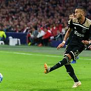 NLD/Amsterdam/20181023 - Champions Leaguewedstrijd  Ajax - SL Benfica, nr. 22 Hakim Ziyech
