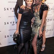 NLD/Amsterdam/20121028 - Inloop premiere nieuwe James Bond film Skyfall , Sylvana Simons en dochter