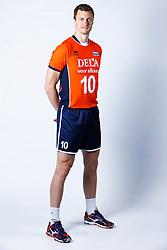 20150506 NED: Selectie Nederlands volleybal team mannen, Arnhem<br />Op Papendal werd het Nederlands team volleybal seizoen 2015-2016 gepresenteerd / Jeroen Rauwerdink<br />©2015-FotoHoogendoorn.nl / Pim Waslander
