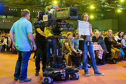 27.03.2015, Messehalle, Oberwart, AUT, Musikantenstadl in Oberwart - Generalprobe, im Bild eine Kamera des ORF und eine Mitarbeiterin während der Generalprobe des 'Musikantenstadl' // TV camera and grip during the dress rehearsel of the show 'Musikantenstadl' at the Fair Hall, Oberwart, Austria on 2015/03/27, EXPA Pictures © 2015, PhotoCredit: EXPA/ Erwin Scheriau