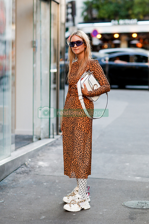 Street style, Charlotte Groeneveld arriving at Off White spring summer 2019 ready-to-wear show, held at Passage Saint Pierre Amelot, in Paris, France, on September 27th, 2018. Photo by Marie-Paola Bertrand-Hillion/ABACAPRESS.COM