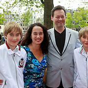 NLD/Amsterdam/20110731 - Premiere circus Hurricane met Hans Klok, Carel Kraayenhoff en partner Thirza Lourens met hun kinderen Kim en Jelle