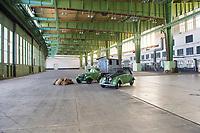 DEU, Deutschland, Germany, Berlin, 12.05.2019: Blick in Hangar 6 beim Fest der Luftbrücke auf dem Flughafen Tempelhof anlässlich des 70. Jahrestags des Endes der sowjetischen Blockade von West-Berlin.