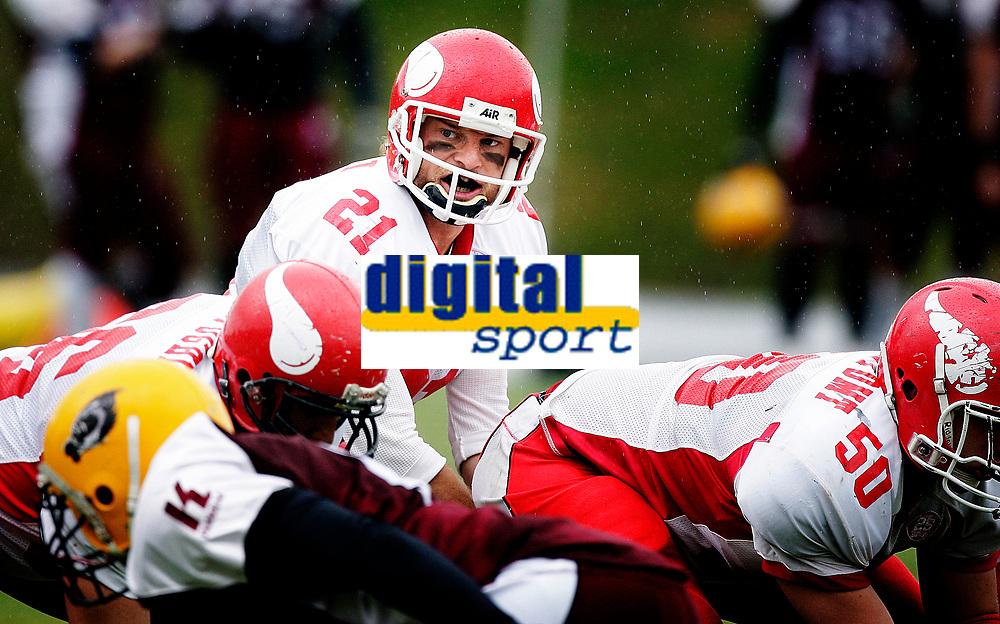 Amerikansk Fotball<br /> Frogner Stadion<br /> 28.05.11 <br /> OSlo Vikings - Bergen Storm<br /> <br /> Vikings QB Reed Gottula<br /> <br /> Foto: Eirik Føre