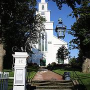 The First Congregation Church in Nantucket Town Center, Nantucket Island, Massachusetts, USA. Photo Tim Clayton